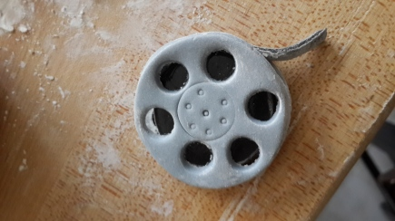 Fondant movie reel for cupcakes